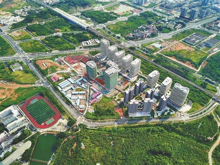 图为位于光明凤凰城的光明新区文化艺术中心(建设中).