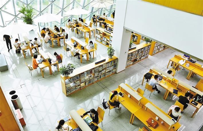 图书馆服务宣传周开启,专访深圳图书馆馆长张岩  公共图书馆是城市文化发展重要标志